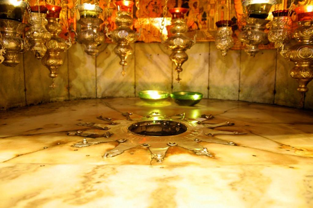 Immagine contemporanea della Grotta della Natività, Basilica della Natività, Betlemme