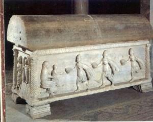 Adorazione dei Magi, Sarcofago di Isacio (Esarca di Ravenna, 620-637), San Vitale - Ravenna (segnalazione di B. Giardina)