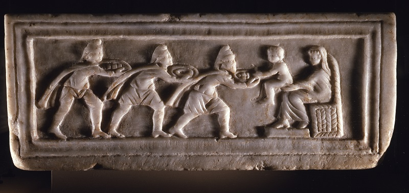 Adorazione dei Magi, capsella dei Santi Quirico e Giulietta, marmo, V sec d.c., da San Giovanni Battista, Ravenna, Museo Arcivescovile